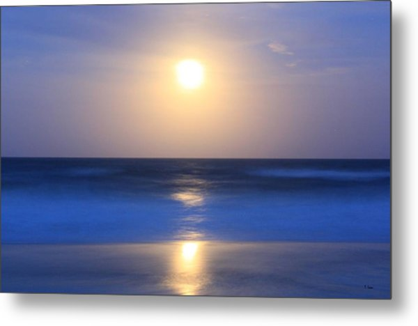 Moonrise Metal Print by Thomas Leon