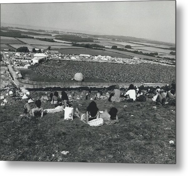 More Than 100,000 Fans Attend The Isle Of Wight Pop Metal Print by Retro Images Archive