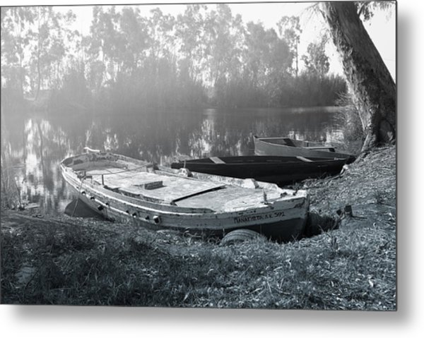 Morning Fog On The River Metal Print