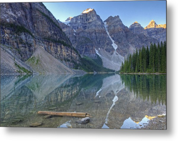 Morning Light On Moraine Lake Metal Print
