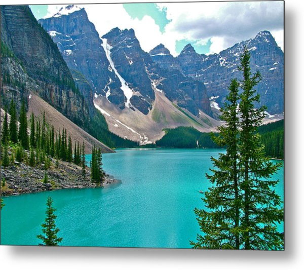 Morraine Lake In Banff Np-alberta Metal Print