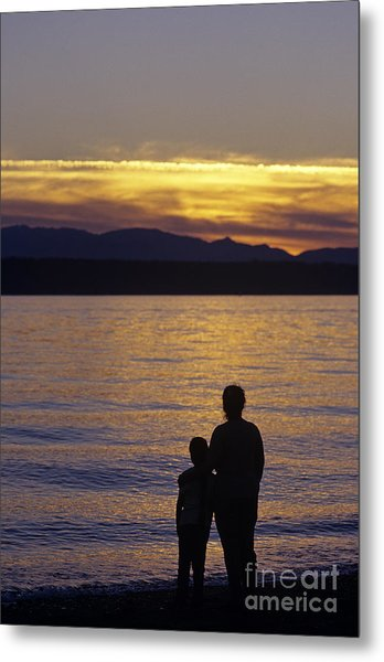 Mother And Daughter Holding Each Other Along Edmonds Beach At Su Metal Print
