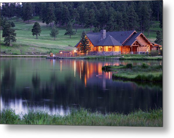 Mountain Lodge Reflecting In Lake At Metal Print by Beklaus