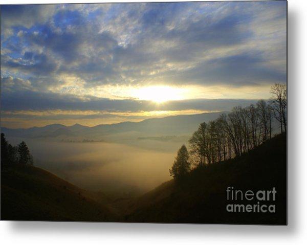 Mountain Valley Sunrise Metal Print