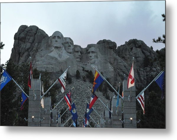 Mt. Rushmore In The Evening Metal Print