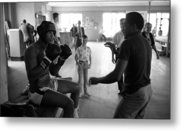 Muhammad Ali Guards Up Metal Print by Retro Images Archive