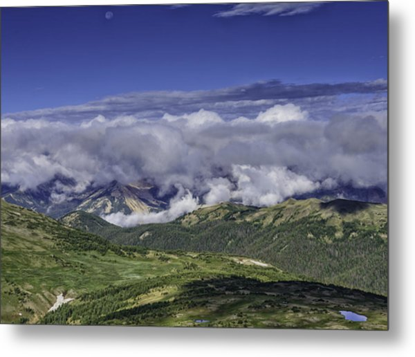 Never Summer Mtns In Clouds Metal Print by Tom Wilbert