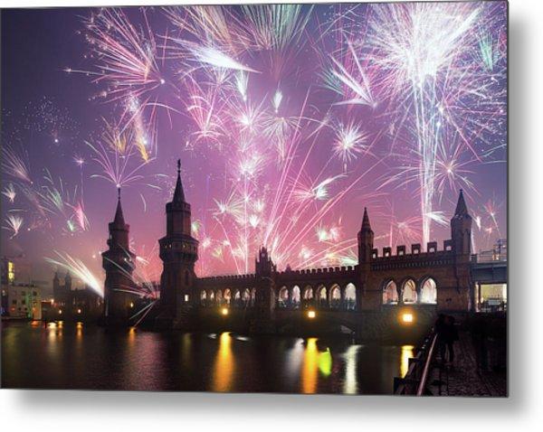 New Years Eve At Oberbaum Bridge Metal Print by Spreephoto.de