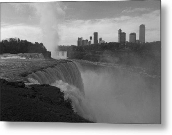 Niagara Falls - Autumn - B N W Metal Print