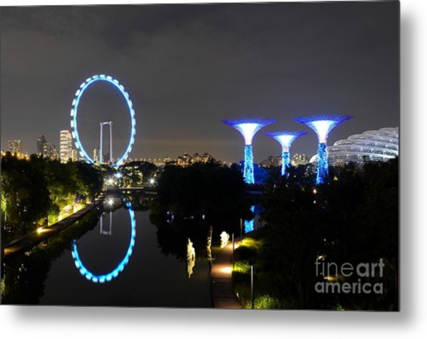 Night Shot Of Singapore Flyer Gardens By The Bay And Water Reflections Metal Print