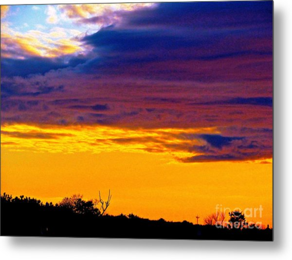 Night Thinks Of Day Metal Print by Q's House of Art ArtandFinePhotography