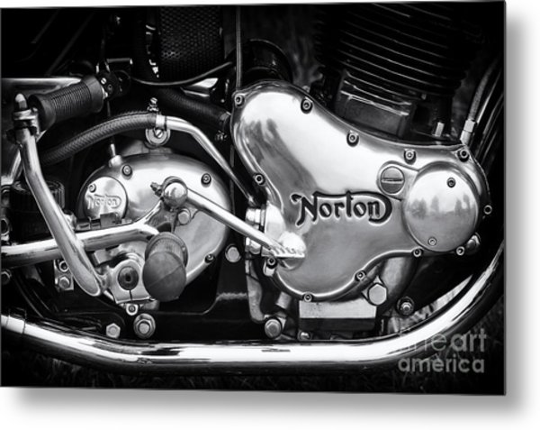 Norton Commando 850 Engine Metal Print