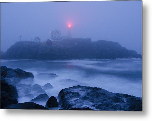 Nubble Light In Foggy Dawn Metal Print