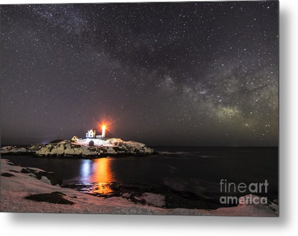 Nubble Light With Milky Way Metal Print