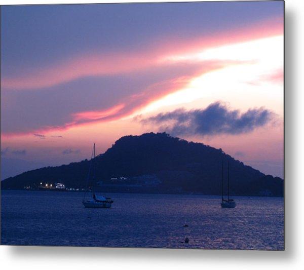 Ocean Island Sunrise Metal Print