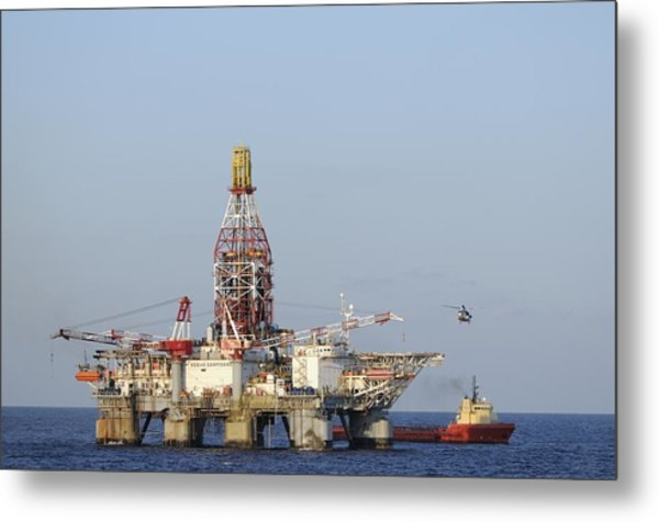 Off Shore Oil Rig With Helicopter And Boat Metal Print