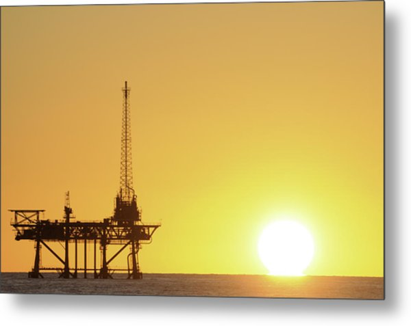 Offshore Oil Rig And Sun Metal Print