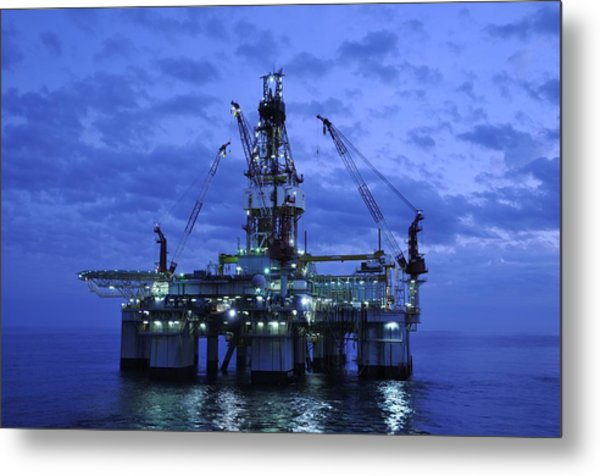 Oil Rig At Twilight Metal Print