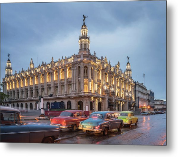 Old American Cars And The Cuban Metal Print by Buena Vista Images