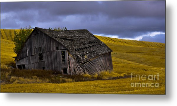 Old Barn Metal Print by Camille Lyver
