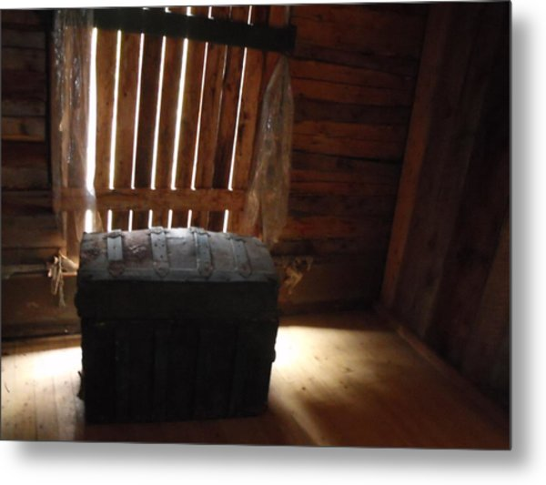 Old Chest Metal Print by Yvette Pichette