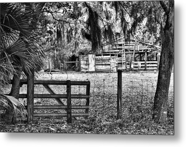 Old Chisolm Island Barn Metal Print