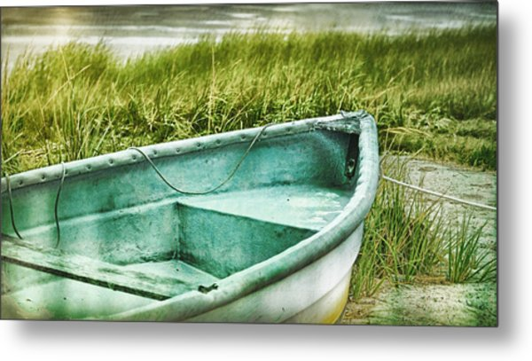 Old Dinghy On The Beach Cape Cod Ma Retro Feel Metal Print