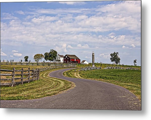 Old Farm House And Barn Gettysburg Metal Print by Terry Shoemaker