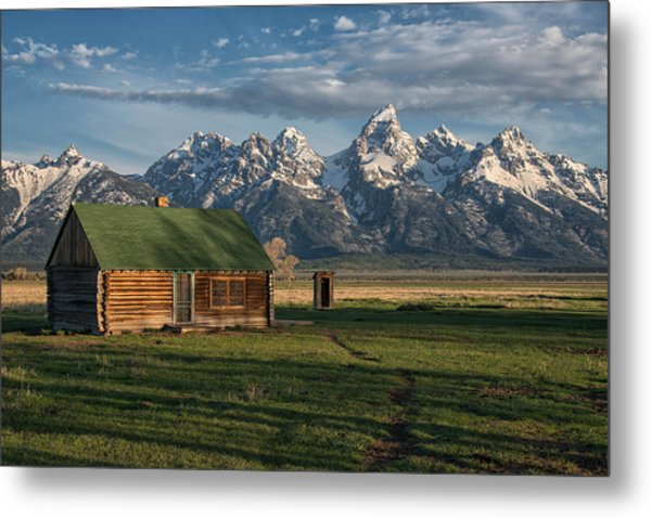 Metal Print featuring the photograph Old Homestead by Darlene Bushue