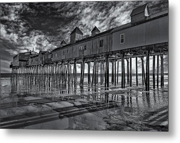 Old Orchard Beach Pier Bw Metal Print