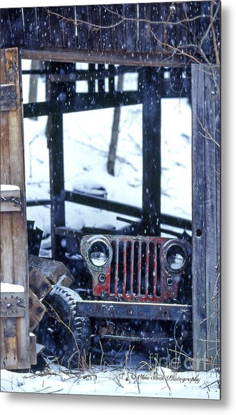 1g25 Old Willys Jeep In Old Barn Metal Print