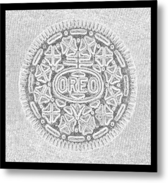 Metal Print featuring the photograph Oreo In Grey by Rob Hans