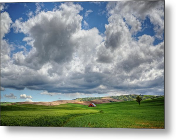 Palouse Country Barn With Storm Clouds Metal Print