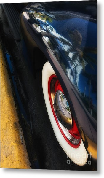 Park Central Hotel Reflection On Oldsmobile Wing - South Beach - Miami  Metal Print by Ian Monk