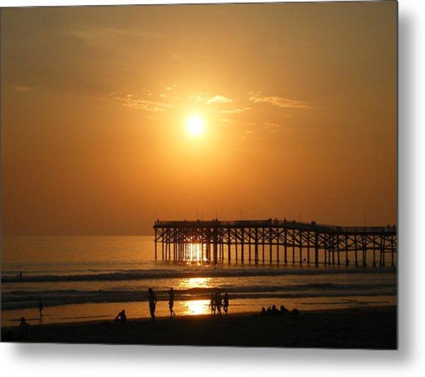 Pb Sunset Over The Pier Metal Print
