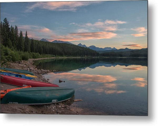 Metal Print featuring the photograph Peaceful Evening by Darlene Bushue