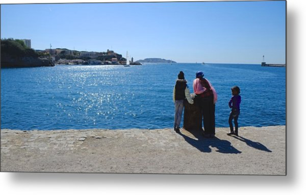 Family Watching The Sea  Metal Print