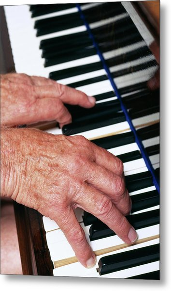 Piano Playing Metal Print by Jerry Mason/science Photo Library