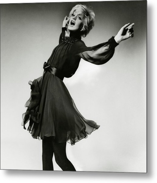 Portrait Of Goldie Hawn Metal Print by Bert Stern