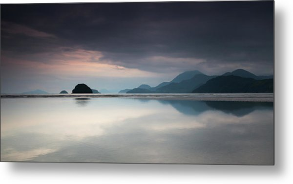 Praia Do Estaleiro With The Serra Metal Print