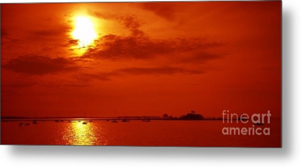 Red Star Above The Sea Metal Print by Jay Martin