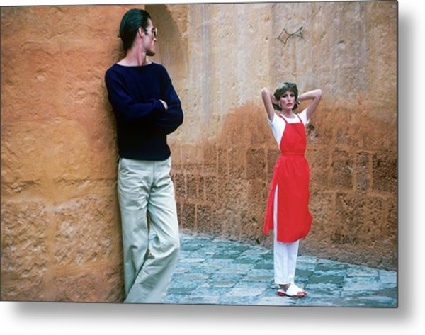 Rene Russo And A Male Model In Arequipa Metal Print