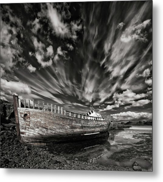 Resting There (mono) Metal Print by ?orsteinn H. Ingibergsson