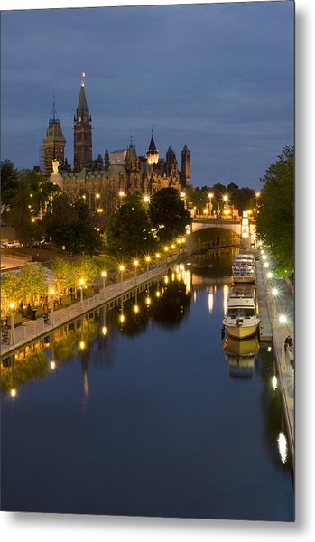 Rideau Canal And The Parliament Buildings At Night Metal Print by Rob Huntley