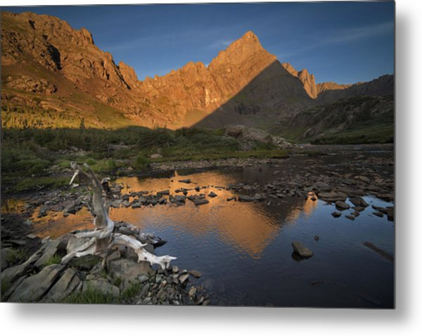 Rippled Reflections Of Crestone Needle Metal Print by Mike Berenson