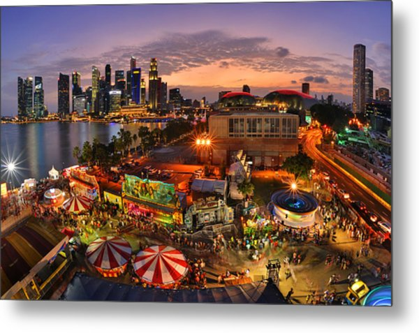 River Hong Bao 2015 Singapore Metal Print by Fiftymm99