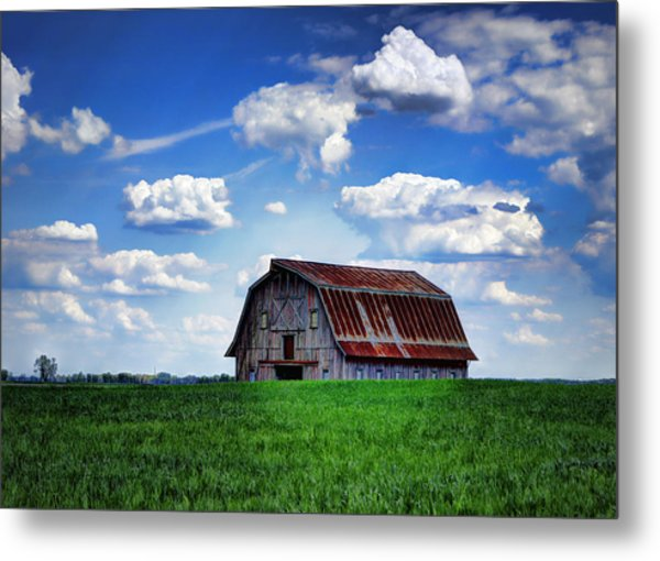 Riverbottom Barn Against The Sky Metal Print