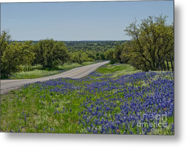 Road To Castell Metal Print