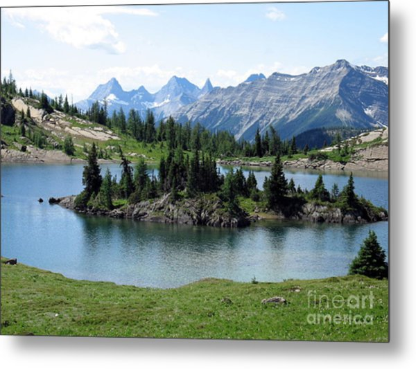 Rock Isle Lake Metal Print