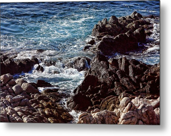 Rocky Coast Metal Print by Linda Phelps